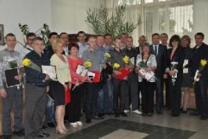 Заслуженных работников Барнаульского пивоваренного завода наградили почетными грамотами
