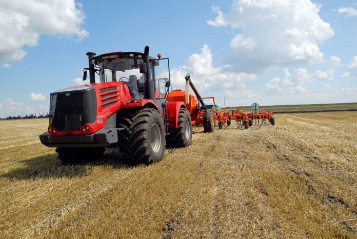 В хозяйстве «Комсомольское» посевную будут проводить с помощью техники алтайского производства